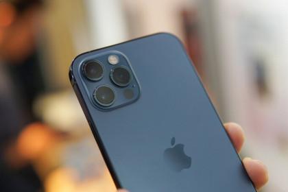"""iPhone 12 Pro """"giá rẻ"""" đe dọa hàng chính hãng"""