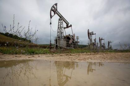 Giá dầu lần đầu tiên sau 2 năm vượt ngưỡng 72 USD/thùng, leo dốc tuần thứ hai liên tiếp