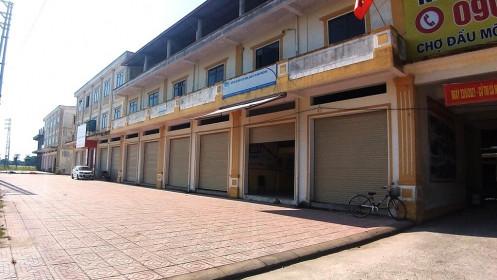 Xây hơn trăm tỉ, chợ lớn nhất tỉnh Hà Tĩnh 'cửa đóng then cài'