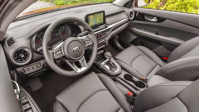 Kia Cerato giảm giá kỷ lục