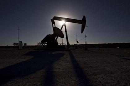 Giá dầu tăng cao nhất kể từ năm 2018 khi nguồn cung tiếp tục có dấu hiệu thắt chặt