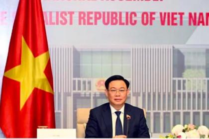 Chủ tịch Quốc hội đề nghị Trung Quốc tăng cường nhập khẩu hàng hóa Việt Nam