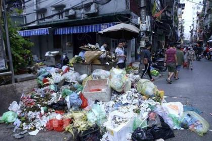 Chủ tịch UBND thành phố Hà Nội chỉ đạo xử lý việc công nhân môi trường bị nợ lương