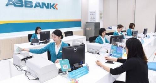 Em gái Phó chủ tịch Vũ Văn Tiền sẽ thoái hết vốn tại ABBank