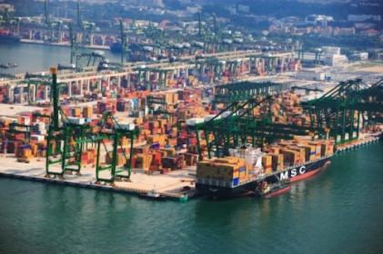 Nghịch lý phí bốc dỡ container tại cảng: Nhìn từ Singapore