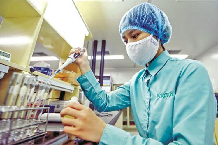 Phát huy nội lực trong sản xuất vắc xin
