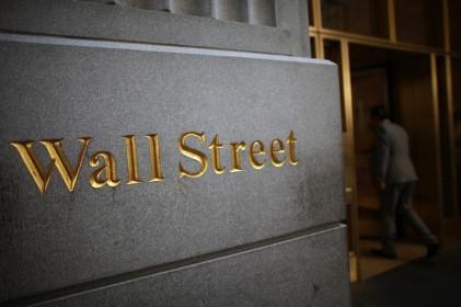Hợp đồng tương lai Dow tăng 220 điểm; Các phát biểu từ Fed, Cổ phiếu Amazon được chú ý