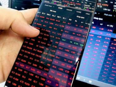 VN-Index đỏ lửa phiên đầu tuần