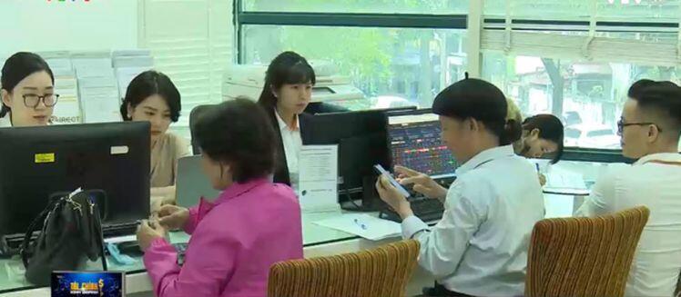 Một môi giới chứng khoán phải chăm sóc 800 - 1.000 tài khoản nhà đầu tư