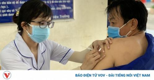 Nhiều người trên 65 tuổi phải hoãn tiêm vaccine Covid-19
