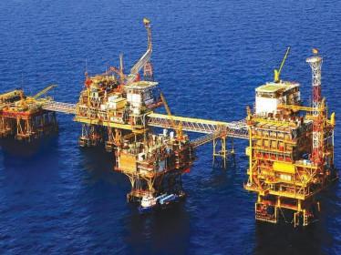 BofA: Giá dầu có thể đạt mức 100 USD/thùng vào năm 2022