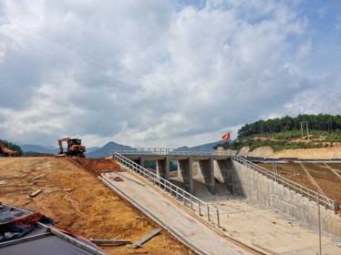 Quảng Ninh: Tháo gỡ khó khăn, đẩy mạnh giải ngân vốn đầu tư công
