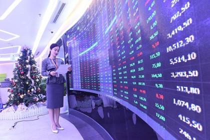 Vì sao chứng khoán Việt Nam liên tiếp lập đỉnh?