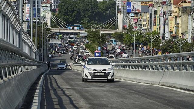 Vingroup giải ngân 6.456 tỷ đồng vào dự án đường vành đai 2 Hà Nội