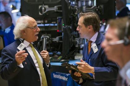 S&P 500 và Nasdaq tăng lên mức kỷ lục sau khi báo cáo thất nghiệp được công bố