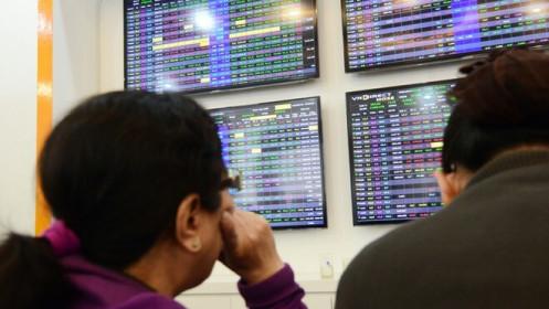 Cổ phiếu chứng khoán nổi sóng, VN-Index vượt kỷ lục lên trên 1.390 điểm