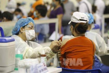 Cần 15 triệu liều vaccine phòng COVID-19 cho 70% người dân TPHCM