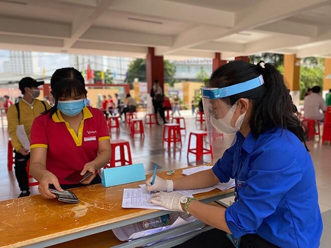 Hơn 6.500 nhân viên VinMart, VinMart+ đã được tiêm vaccine