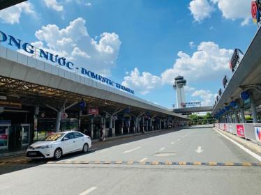 Sân bay Tân Sơn Nhất buồn hiu hắt
