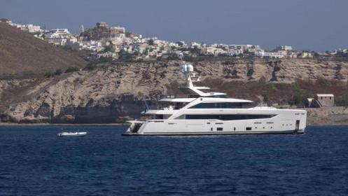 Giới nhà giàu ùn ùn đi nghỉ hậu Covid, cảng Hy Lạp đông nghẹt siêu du thuyền