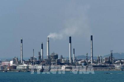 Giá dầu châu Á giảm chiều 29/6 do lo ngại COVID-19 bùng phát