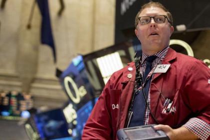 S&P 500 tăng lên kỷ lục mới vào phiên mở cửa, dẫn đầu bởi các cổ phiếu ngân hàng