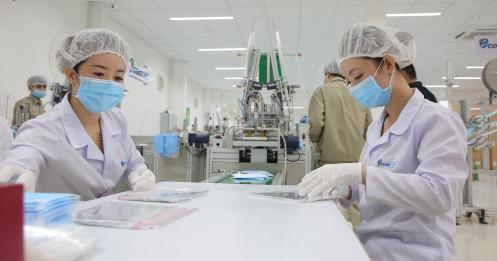 Triển vọng tăng trưởng kinh tế Việt Nam bị hạ xuống vì dịch Covid-19, chuyên gia nói gì ?