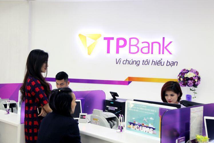 """Ngân hàng giảm lãi suất cho vay lên tới 2%, doanh nghiệp hy vọng """"tiền đến tay"""""""