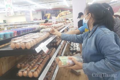 Đà Nẵng: Nguồn cung thiếu hụt, giá trứng tại chợ truyền thống tăng mạnh