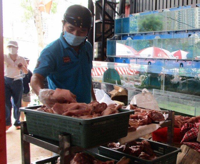 Thịt heo combo đồng giá 120.000 – 130.000 đồng/kg đắt hàng