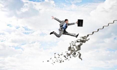 Thị trường tài chính 24h: Chứng khoán chật vật tìm hướng đi