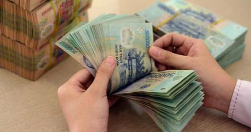Người dân lại bất ngờ gửi nhiều tiền hơn vào ngân hàng