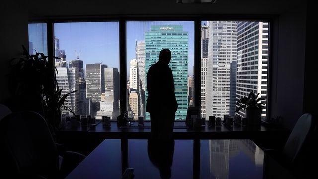 Cựu nhân viên Phố Wall: Kiếm nửa triệu USD có nghĩa lý gì khi phải làm việc 20 giờ/ngày?
