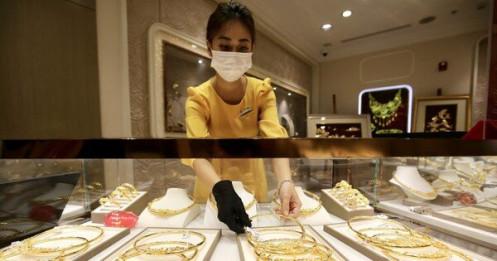 Giá vàng tiếp tục tăng, hướng mốc 58 triệu đồng/lượng
