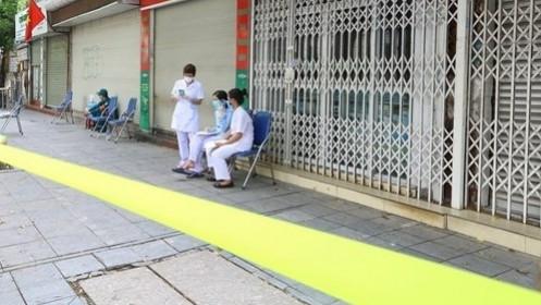 Hà Nội thêm 17 trường hợp mắc Covid-19, thuộc 7 chùm ca bệnh; Ninh Thuận có ca tử vong đầu tiên