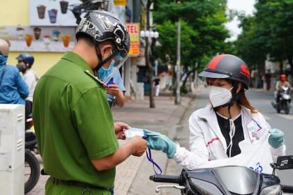 Từ tối mai (26/7), người dân TP Hồ Chí Minh không được ra đường sau 18 giờ