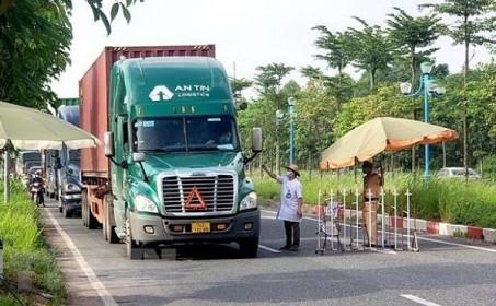 Không kiểm tra các phương tiện vận chuyển hàng hóa thiết yếu phục vụ vùng dịch Covid-19