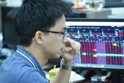 Giao dịch chứng khoán sáng 26/7: Thông tin tỷ phú Trần Bá Dương dừng đầu tư nhấn chìm HNG