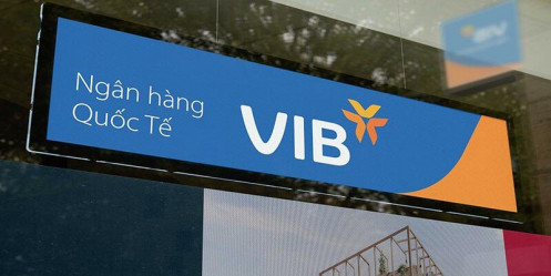 """Cổ phiếu VIB đi xuống, người thân lãnh đạo liên tục """"xả hàng"""""""