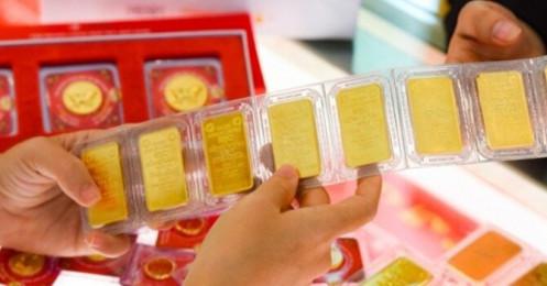 Khoảng cách giá mua – bán vàng lên tới 1 triệu đồng/lượng