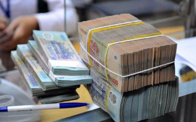 """Doanh nghiệp thép kiếm bộn tiền nhờ """"neo"""" giá bán, """"bất ngờ"""" với tăng trưởng lợi nhuận ngân hàng"""