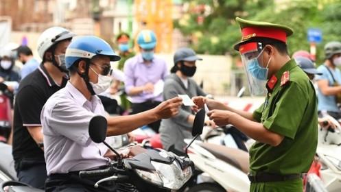 Hà Nội siết chặt kiểm tra giấy đi đường, xử lý nghiêm các trường hợp vi phạm