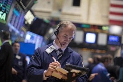Nhóm cổ phiếu nào hưởng lợi khi Mỹ tăng chi hạ tầng 1.000 tỷ USD