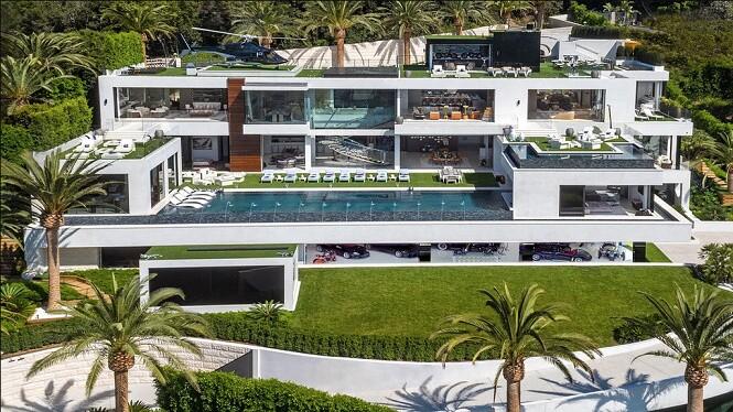 Hé lộ lương nghìn tỉ và khối bất động sản khổng lồ của cầu thủ Messi