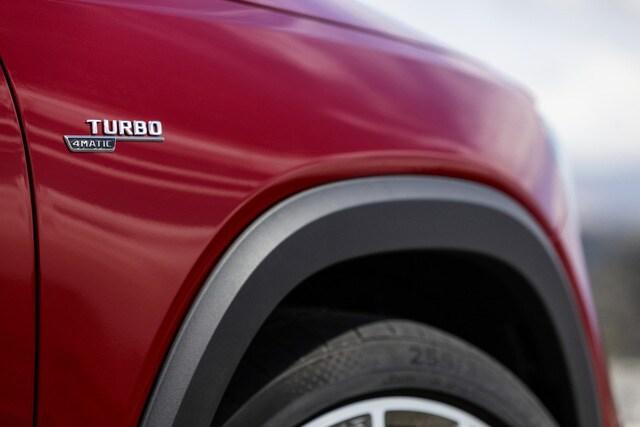 Mercedes AMG GLB 35 4Matic ra mắt với giá bán 2,69 tỷ đồng