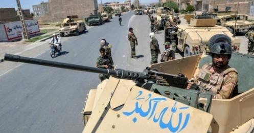 """Tình hình Afghanistan: Căng như dây đàn, Taliban thần tốc tiến gần thủ đô, Kabul thay """"chiến tướng"""" ứng phó?"""