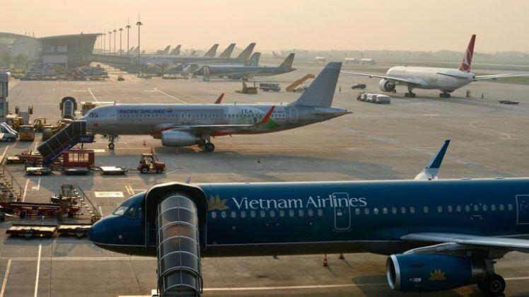 """Sân bay vắng như """"chùa Bà Đanh"""", vé máy bay giá rẻ 0đ """"ế chỏng chơ"""""""