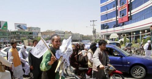 Taliban tiến vào Kabul từ mọi phía, khẳng định không có ý định chiếm thủ đô bằng vũ lực