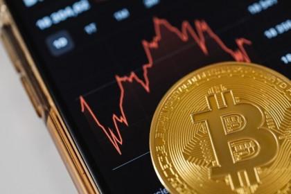 Giá Bitcoin hôm nay 15/8: Bitcoin 'thăng hoa', các tiền ảo 'bùng nổ'