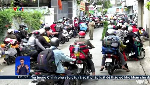 Người dân lao động tại TP Hồ Chí Minh lại ùn ùn đổ về quê